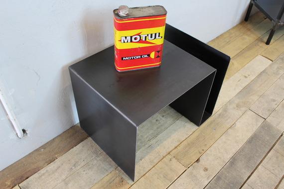 meubles-et-rangements-table-dappoint-acier-brut-