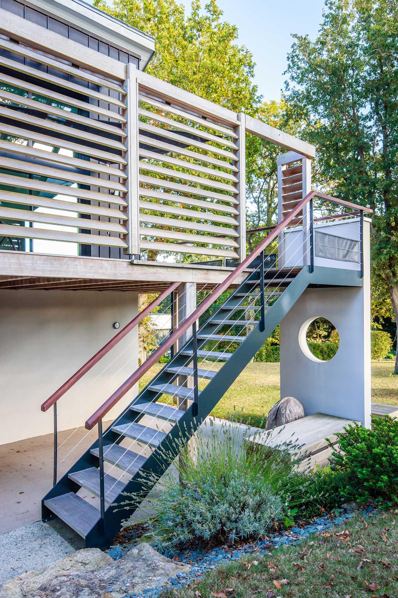 Escaliers-bois-et-garde-corps-inox-sur-mesure-Métallerie-Artdesigninox-La-Baule-Guérande-Le-Pouliguen-Batz-sur-Mer-Saint-André-des-eaux (5) copie